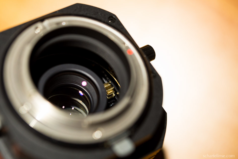Das Innenleben des Samyang (Walimex) TS 3.5 / 24mm.
